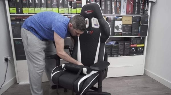 GT Omega Pro Racing chair
